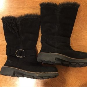 Earth Black suede boots diva 8.5